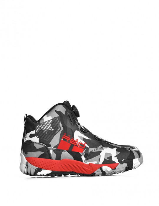 Boots WIRE BW Edition